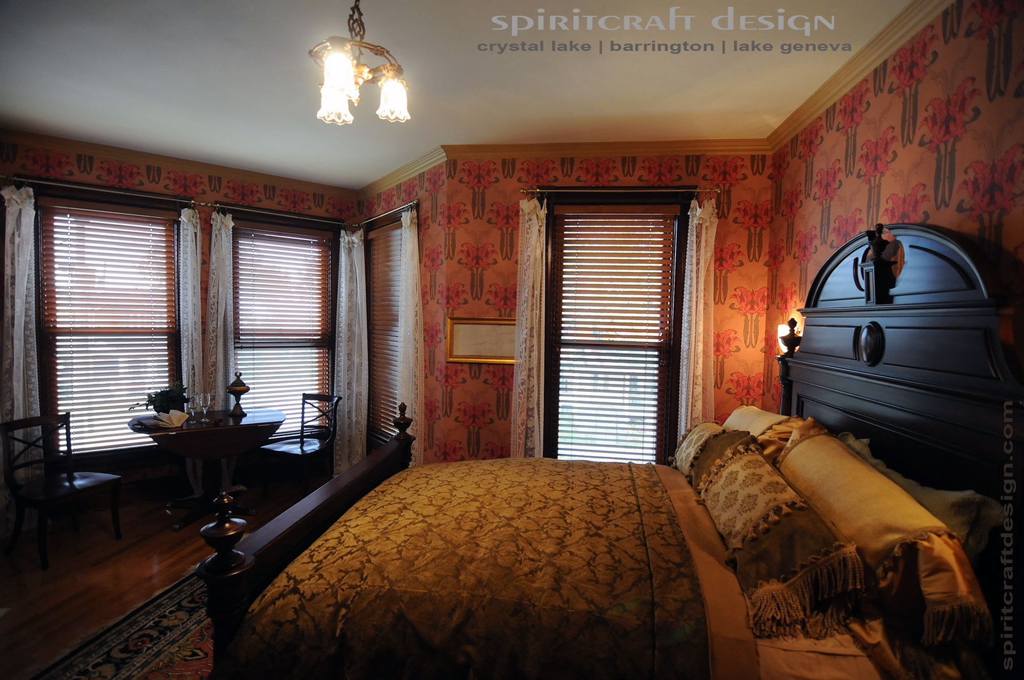 Custom Interior Design decorative pillows, custom bedding in barrington, crystal lake, il